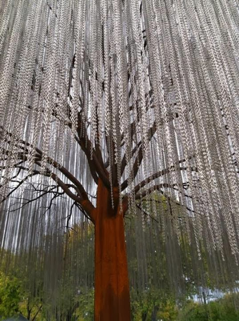 Weeping metal tree Bernadette Noll