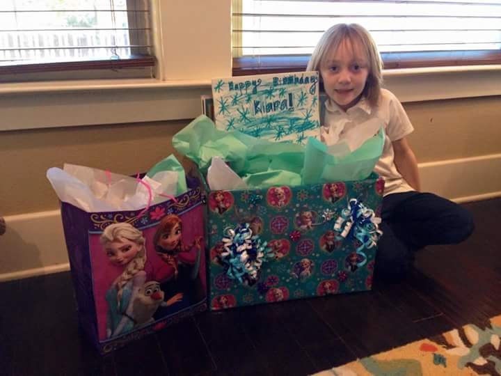 Suzanne asked her friends to post photos of her friends' families with the birthday boxes they had made on Facebook, and with each photo which was posted, she received another three or four new volunteers.