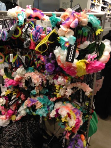 Things I won't wear to ACL, Exhibit A: floral headbands.