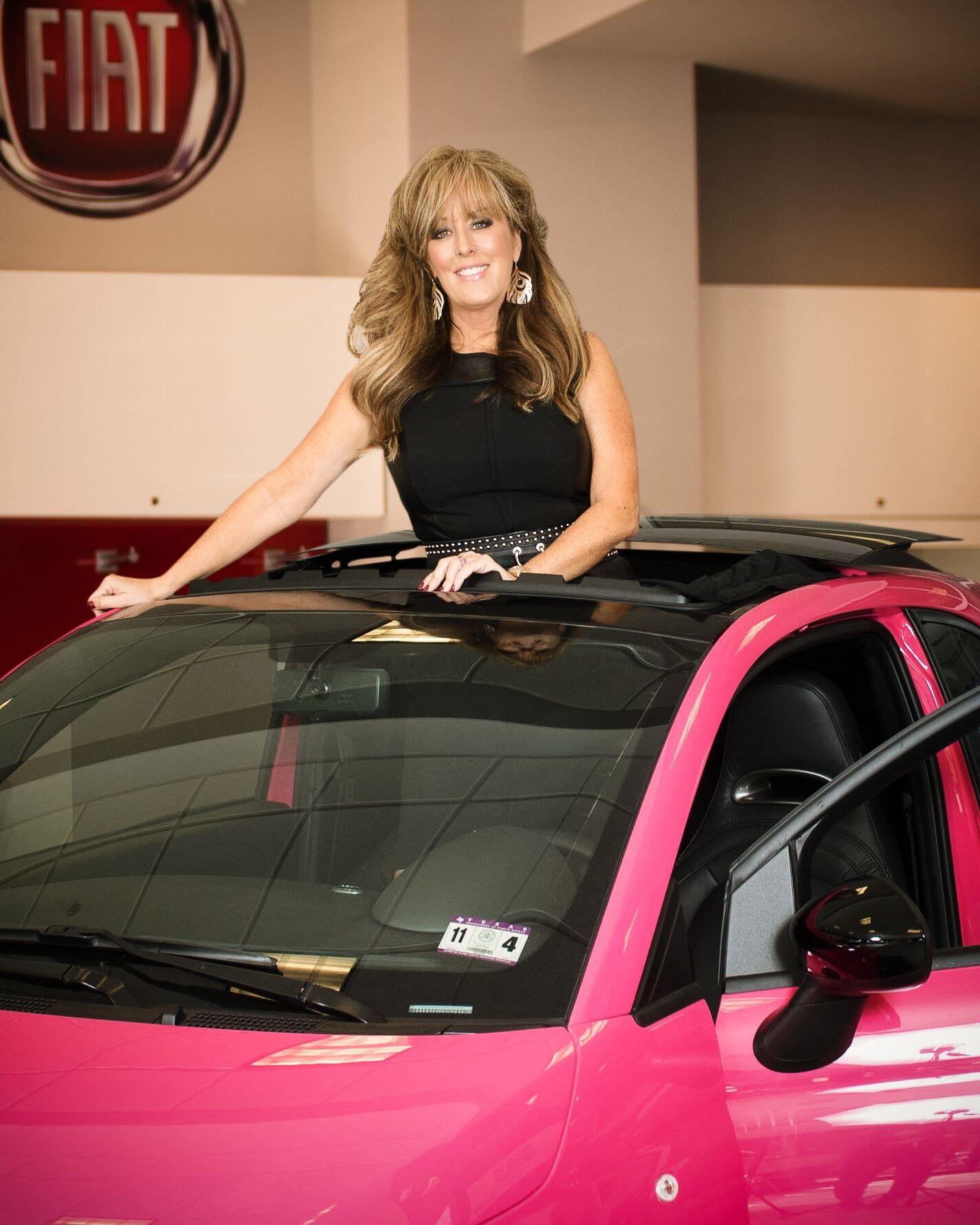 Lisa w pink car
